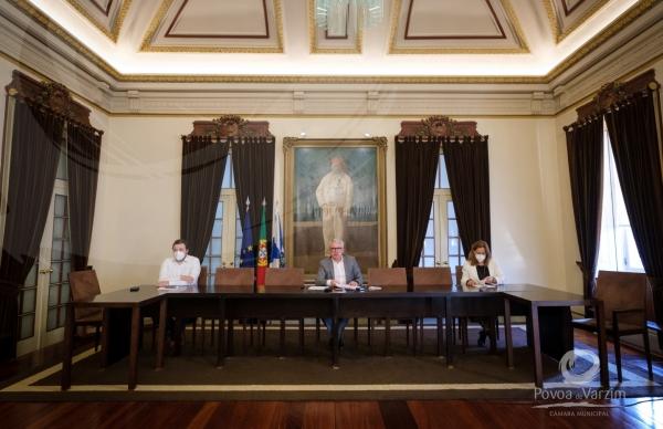 Executivo Municipal reverte 100% das receitas da venda de Camisola Poveira aos artesãos do concelho