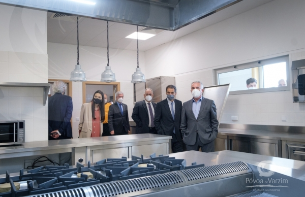Presidente da Câmara marca presença na inauguração das novas instalações da ESMAD e da ESHT