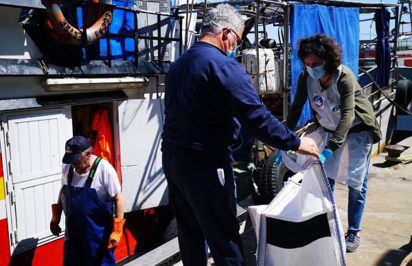 """Pescadores e Investigadores no evento """"Ocean Clean Day"""""""