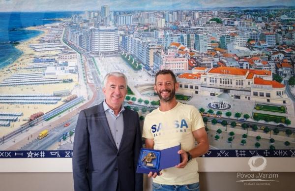 Presidente da Câmara recebe ultramaratonista Miguel Lopes nos Paços do Concelho
