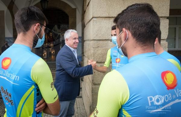 Ciclista Poveiro Lucas Lopes recebido nos Paços do Concelho